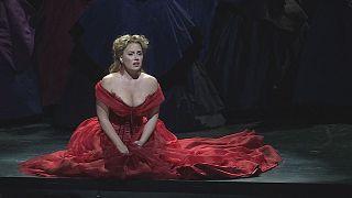 Sonya'nın Desdemona'sı sahnede devleşiyor