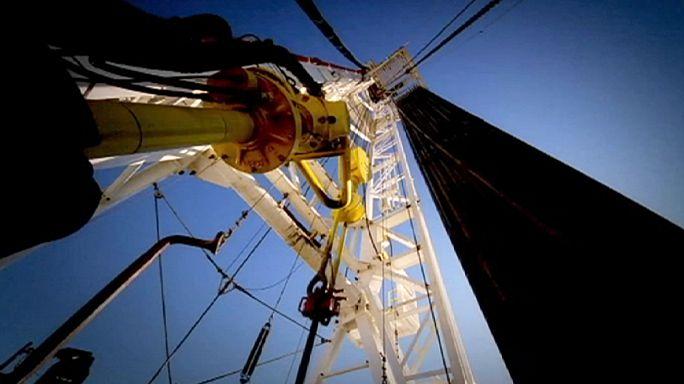 Nemzetközi Energiaügynökség: alig nő jövőre a világ olajigénye
