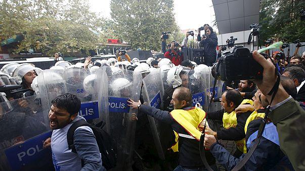 Governador de Istambul bloqueia manifestações pelas vítimas do atentado em Ancara