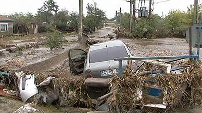 Romania floods leave motorists stranded