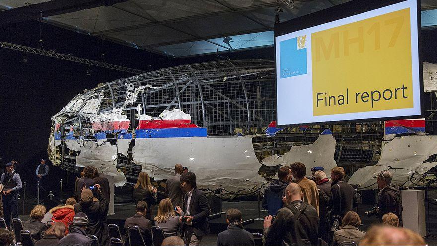 Crash du vol MH17 : un missile, pas de coupable, le Kremlin sur la défensive