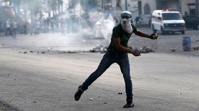 فلسطينيون يصعدون الهجمات ضد الاسرائيليين وسقوط قتلى في الجانبين
