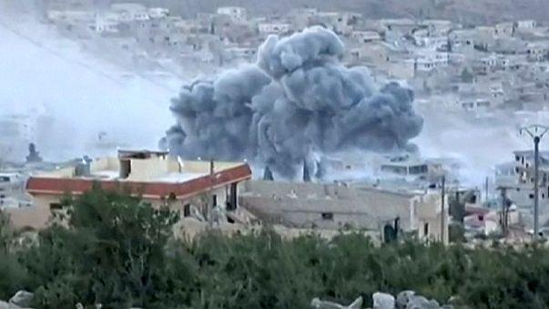 Rus jetleri Halep'i vurdu