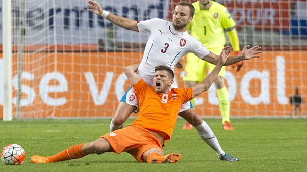 واکنش مردم هلند به شکست تیمشان در رقابتهای مقدماتی یورو ۲۰۱۶