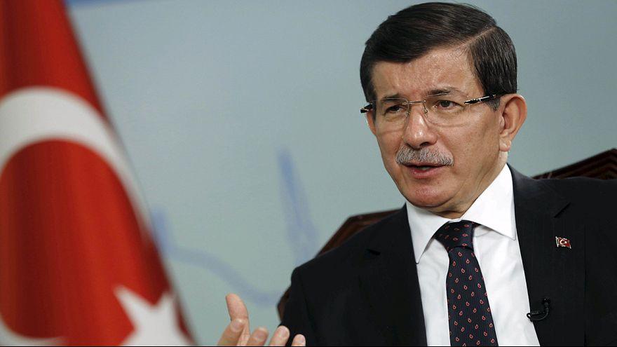 Turquia: Primeiro-ministro acusa EI e PKK da autoria do atentado de Ancara