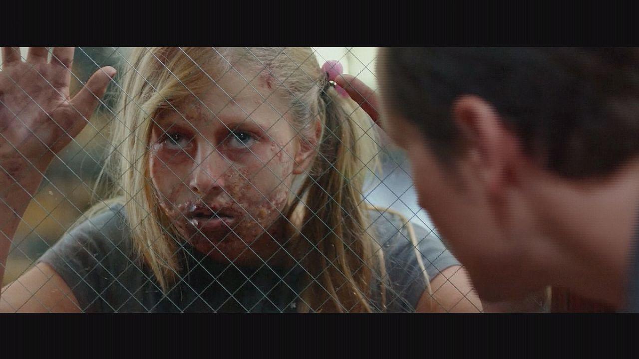 Elijah Wood nehéz küzdelme a kis zombikkal