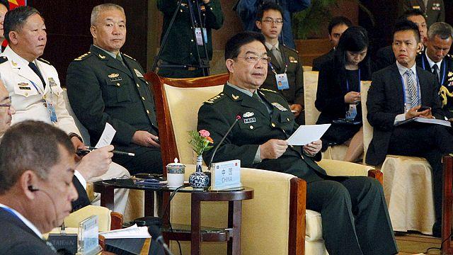 Baisse de tension en mer de Chine.