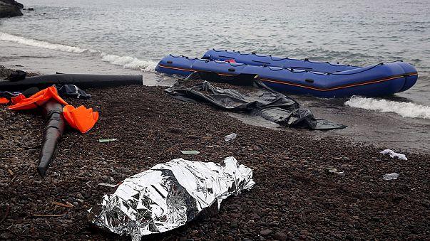 Ege denizinde çifte göçmen trajedisi