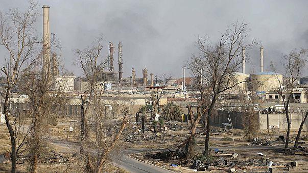 """Irak Ordusu: """"Beyci'yi ve petrol rafinerisini geri aldık"""""""