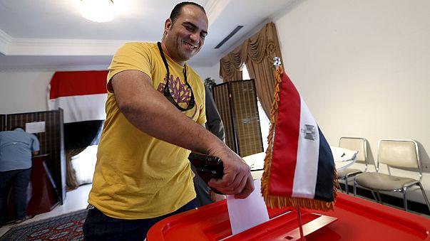 Mısır'da seçmen sandık başına gidiyor