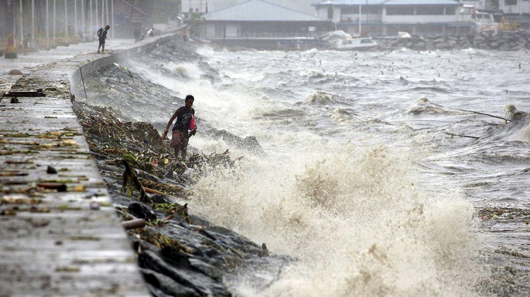 El tifón Koppu llega a Filipinas con vientos de hasta 210 Km/hora