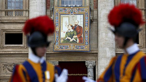 Francia házaspárt avatott szentté Ferenc pápa