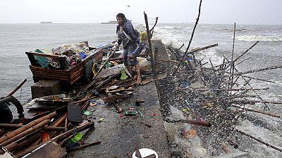 Philippine clean up after Typhoon Koppu