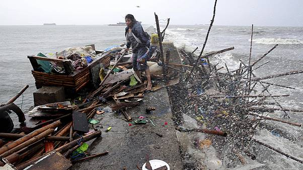 Philippine clean up after Typhoon Koppu