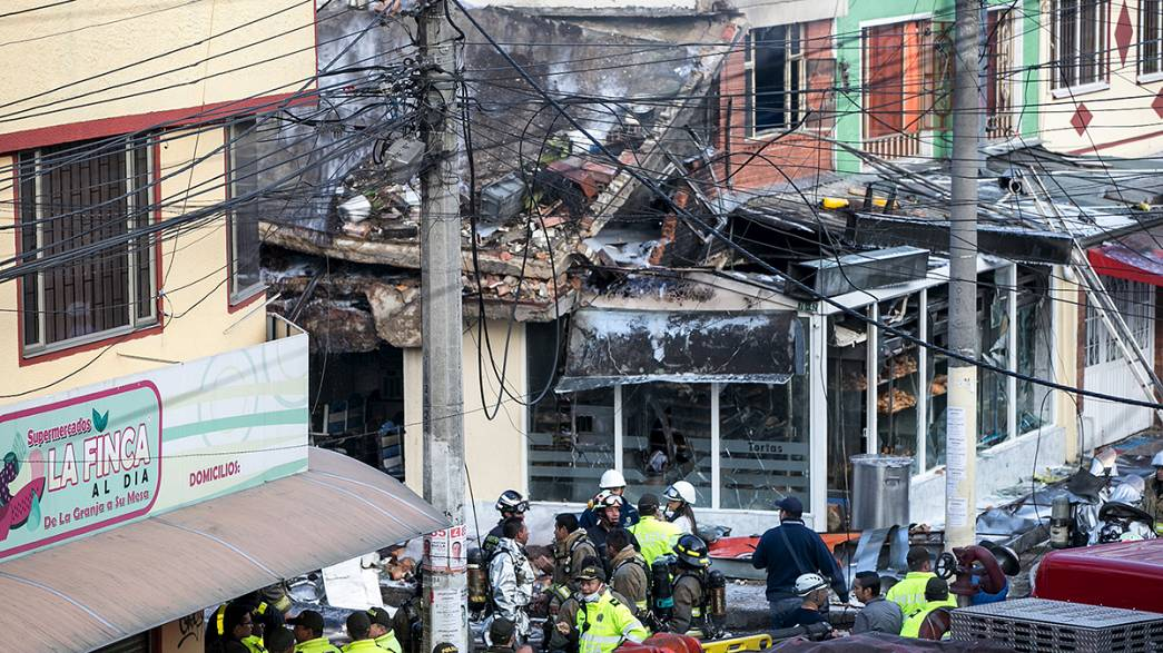 Colômbia: Avioneta despenha-se contra padaria e faz 5 mortos