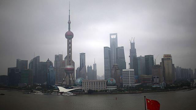 China's economic growth falls below seven percent