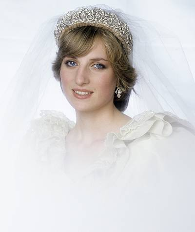 Princess Diana chose to wear her own family's tiara on her wedding day instead of borrowing one from the queen.