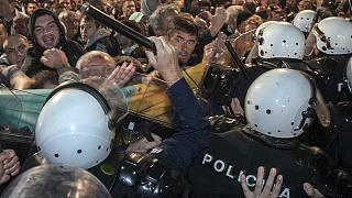 Karadağ'da hükümet karşıtı protestoya polis müdahalesi