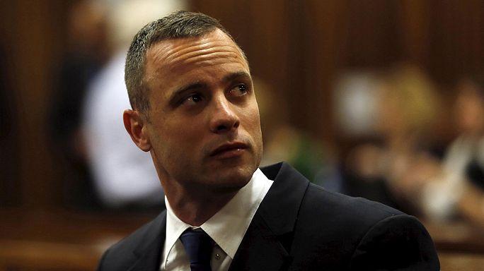 Pistorius elhagyhatta a börtönt