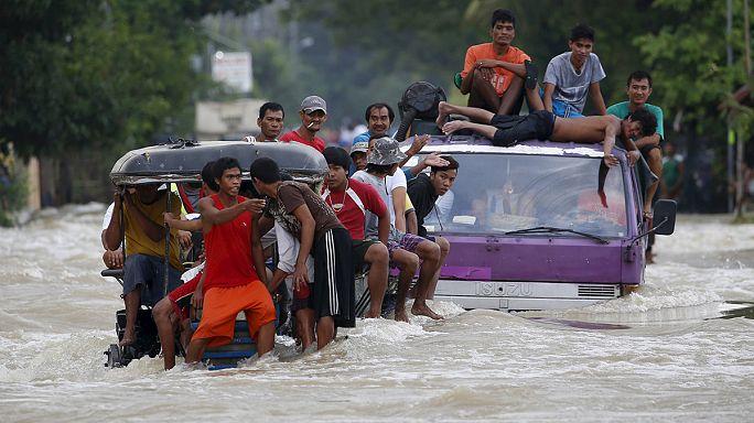 """Филиппины: тайфун """"Коппу"""" никак не угомонится"""