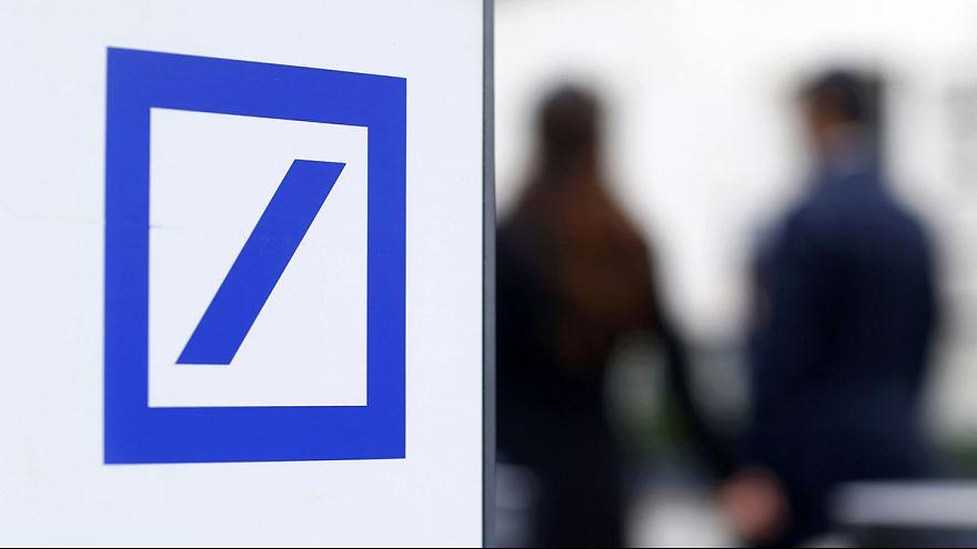 Hatmilliárd dolláros baki a Deutsche Banknál