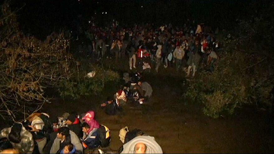 Eslovenia desbordada por el flujo de refugiados, Bruselas convoca una minicumbre para el domingo