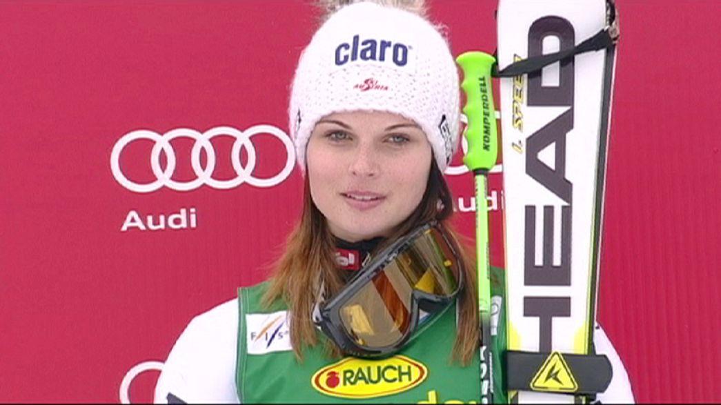 Anna Fenninger se lesiona de gravedad y dice adiós a la temporada de esquí alpino