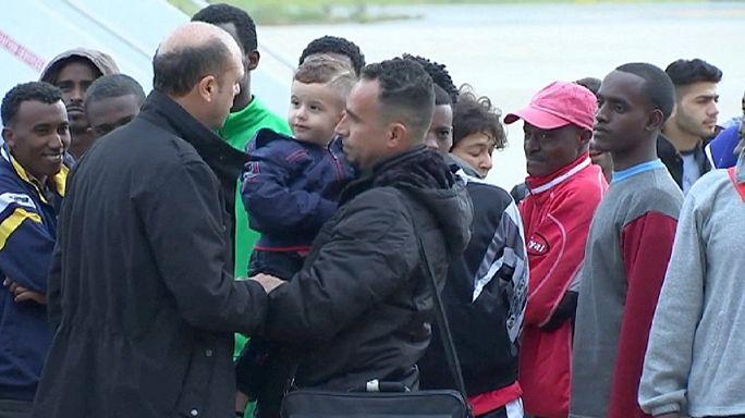 دفعة من 70 لاجئ يغادرون إيطاليا إلى السويد وفنلندا في إطار عملية المشاركة في العبء الأوروبي