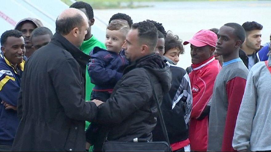 Emergenza migranti: dall'Italia secondo volo di ricollocamento con 70 rifugiati