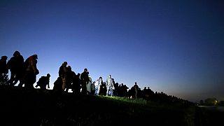 Binlerce göçmen Batı Avrupa'ya akıyor