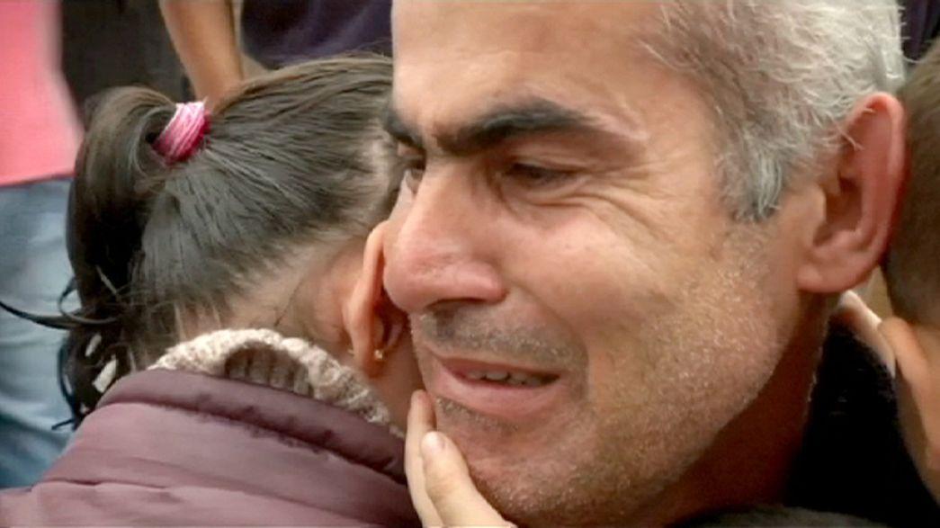 Refugiado sirio se reúne con su familia después de un año