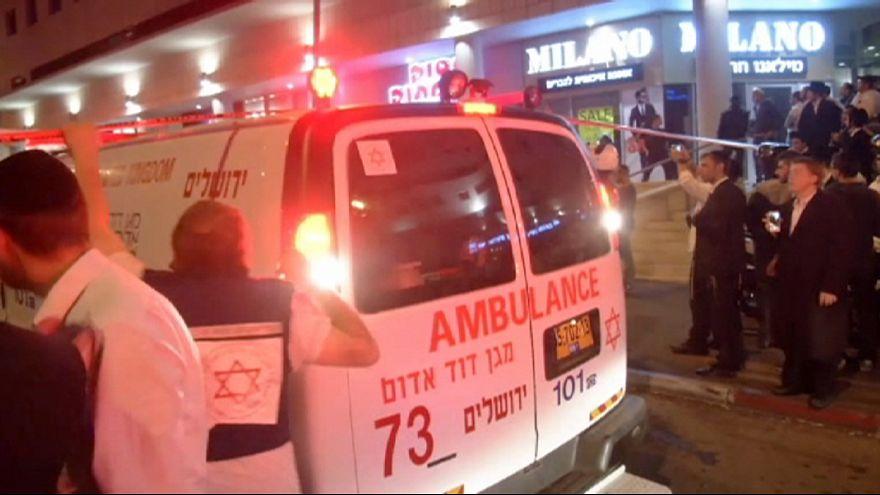 مقتل اسرائيلي خطأ في القدس وإصابة أربعة جنود إسرائيليين في عملية دهس