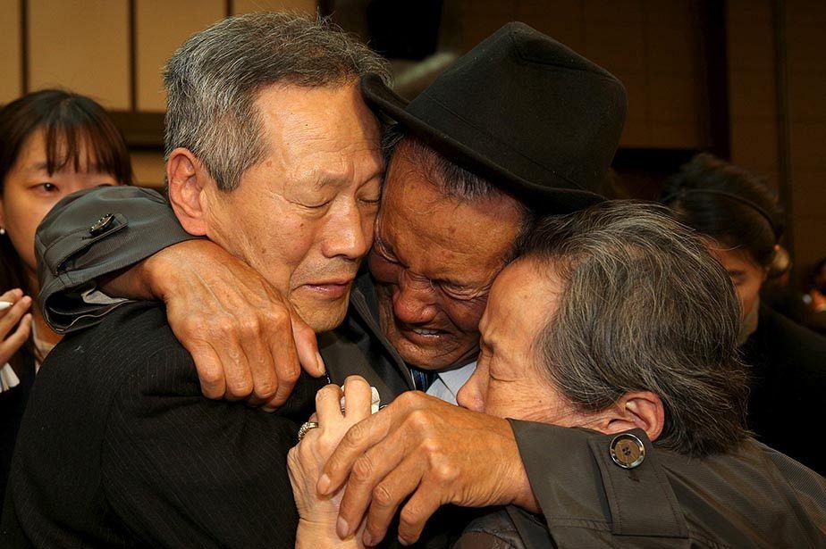 Au revoir émouvant après les retrouvailles de familles sud et nord-coréennes