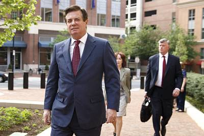 Former Trump campaign manager Paul Manafort and his lawyer Kevin Downing arrive for a motion hearing at the U.S. District Court in Alexandria, Virginia, on May 4, 2018. Manafort has been charged with tax and fraud violations.