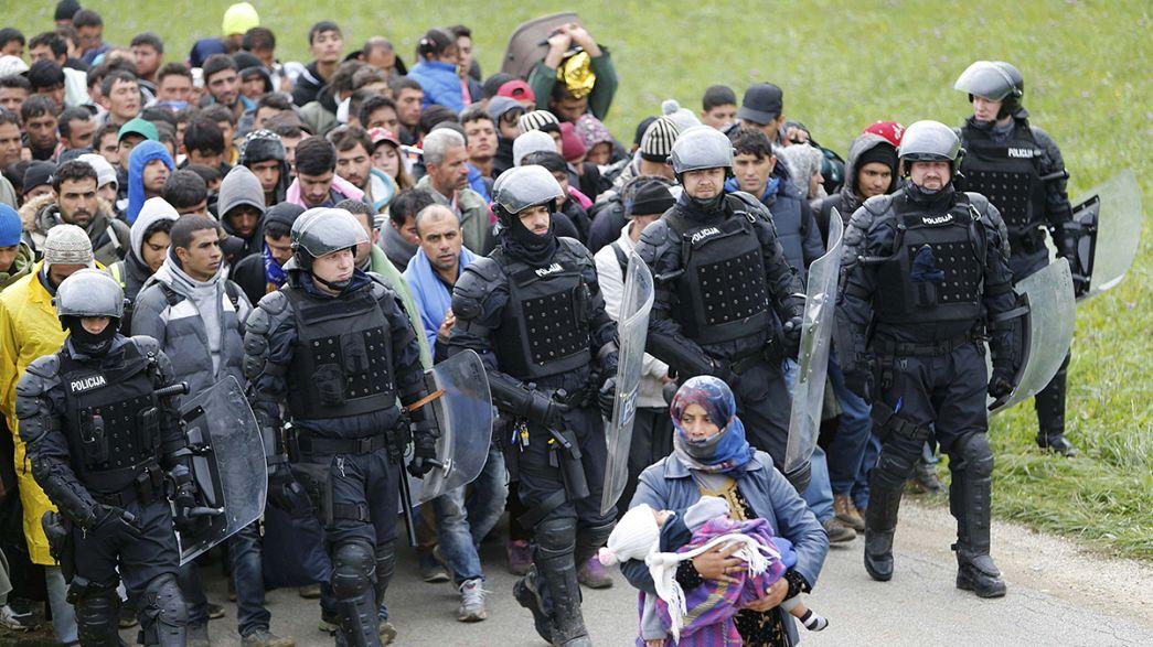 Comissário europeu avalia necessidades da Eslovénia para lidar com refugiados