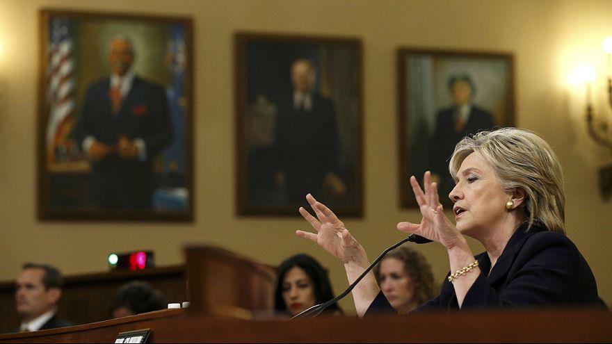 Hillary Clinton si difende davanti alla Commissione sull'attacco di Bengasi