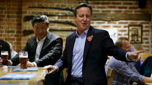 Chinese President and British Prime Minister visit a pub for drinks