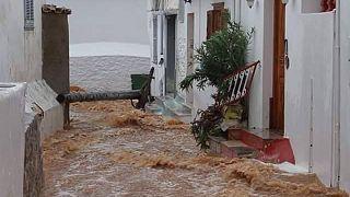 Εικόνες καταστροφής στην Ύδρα – Πλημμύρισε όλο το νησί!