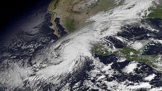 Il Messico alla prova dell'uragano Patricia, il più forte ad aver mai colpito l'emisfero occidentale