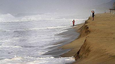 Mexique : l'ouragan Patricia moins dangereux que prévu