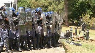 """Estudantes sul-africanos em """"pé de guerra"""""""