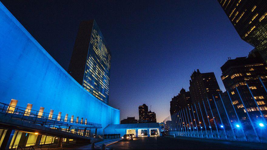 BM'nin kuruluş yıl dönümünde mavi ışık şov