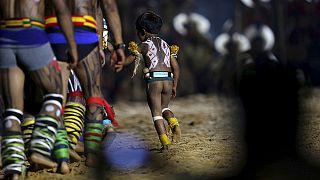 Luz, cor e contestação a Dilma na abertura dos mundiais indígenas