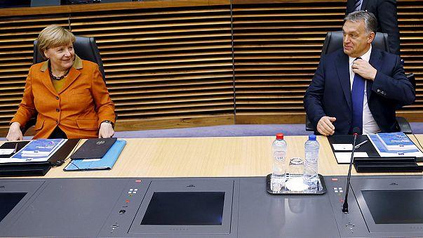 """Peticiones de """"más coordinación """" y críticas a Grecia en la minicumbre de Bruselas sobre los refugiados"""
