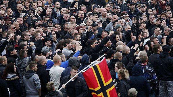 Cologne : 10 000 anti-fascistes s'opposent à un millier de Hooligans d'HoGeSa
