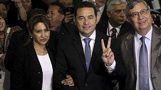 Гватемала: новым президентом избран комедийный актер