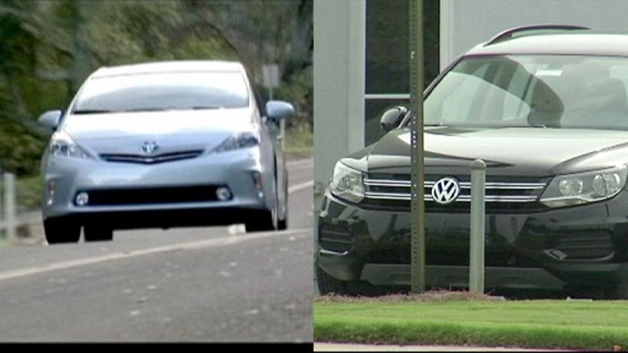 Toyota overtakes Volkswagen to top world car sales list