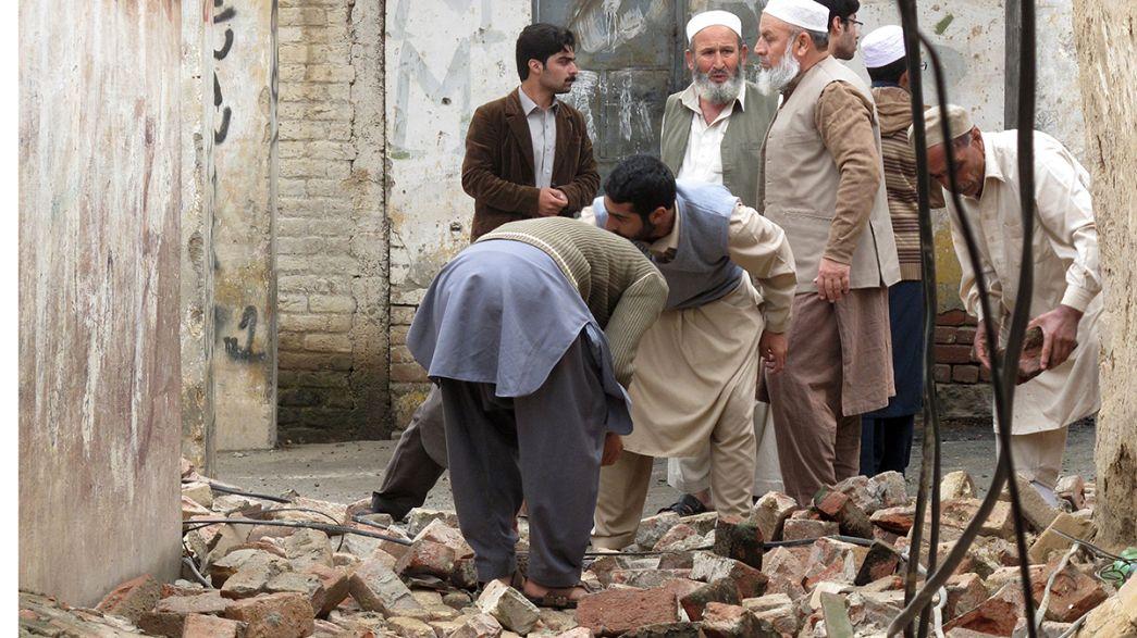 Decenas de muertos en Afganistán, Pakistán y la India por un terremoto de 7,5 grados