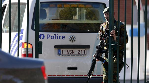 Бельгия: неизвестный пошел на таран воинской части