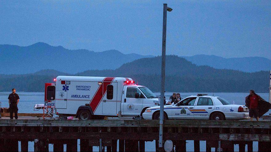 Kanada açıklarında turistik gezi botu battı: 5 ölü